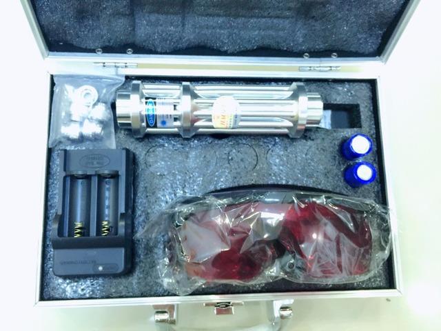 Hot 10000 mw 10 W Azul Ponteiros Laser Flashlight Combustão de Alta Potência 10000 m caneta laser azul lazer + box + 2x16340 bateria + carregador