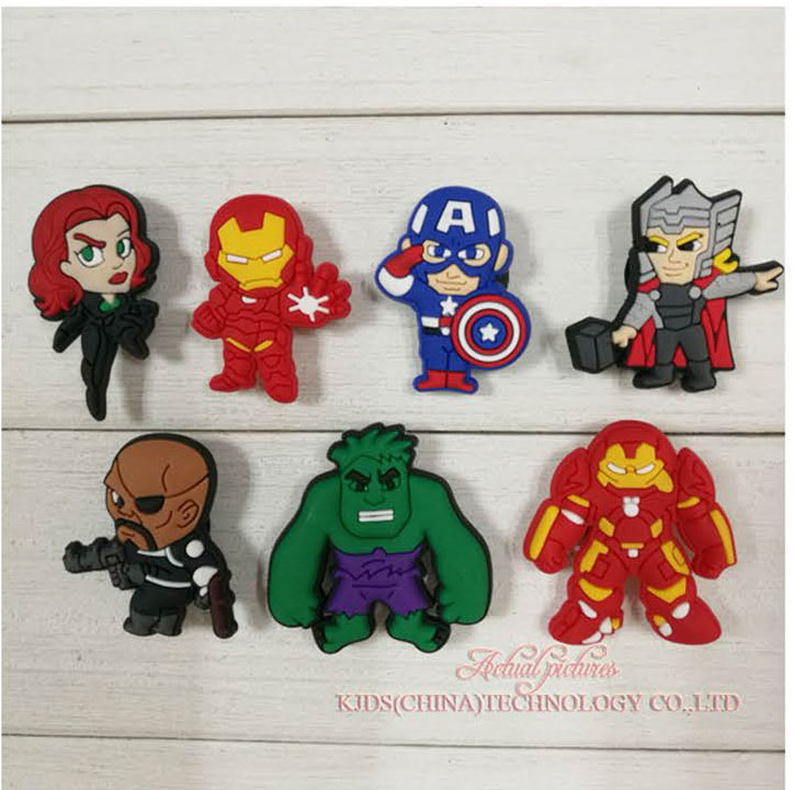 MIX STYLES 7PCS Avengers Super Heros PVC Shoe Charms Shoe Accessories Shoe Buckle For Wristbands Croc Kids Favor Gift