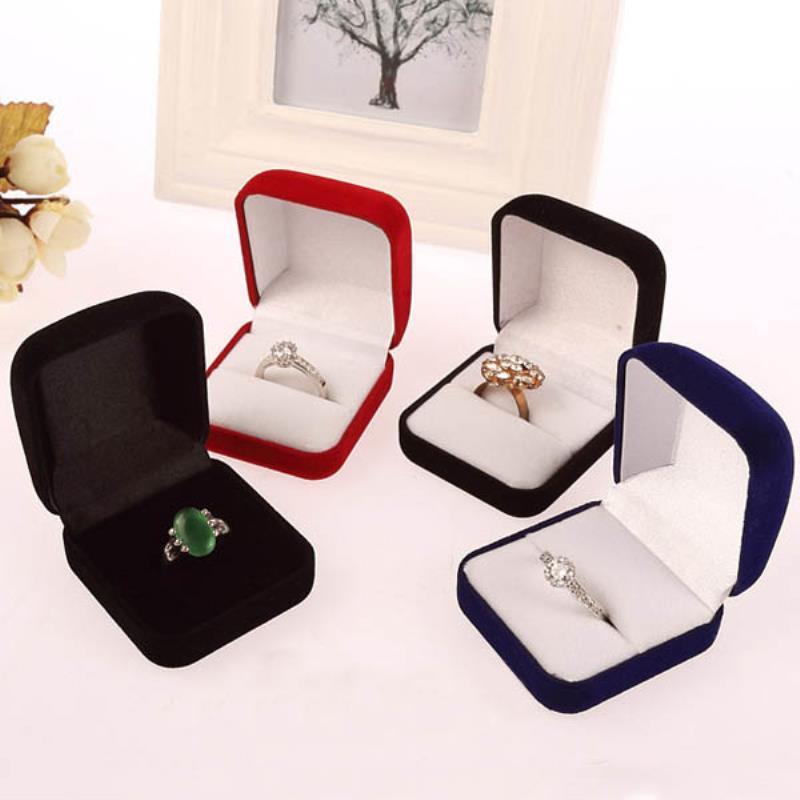 Shellhard Jewelry Display Storage Case Vintage Engagement Velvet Ring Box For Wedding Ring Valentines Day Gift Organizer