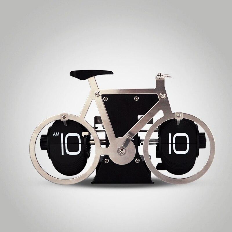 1 pièces 2016 nouveau modèle de vélo en acier inoxydable numérique automatique Flip horloge de bureau pour la maison et le bureau horloge créative décorative