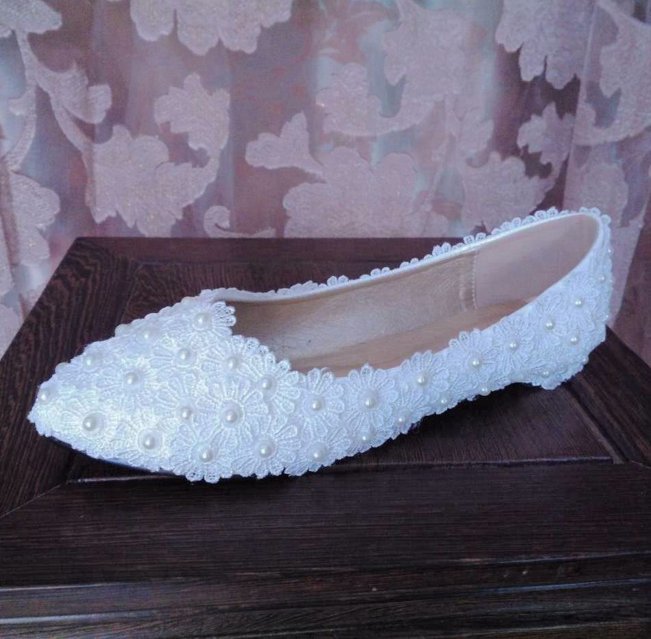 Plus sizes 41 42 43 flat heel white lace wedding flats shoes womens fashion female women's point toes ivory pearls brides shoes women wedding shoes flat heel round toes plus size bride shoes lady female sweet lace pearls proms dress evening party shoes