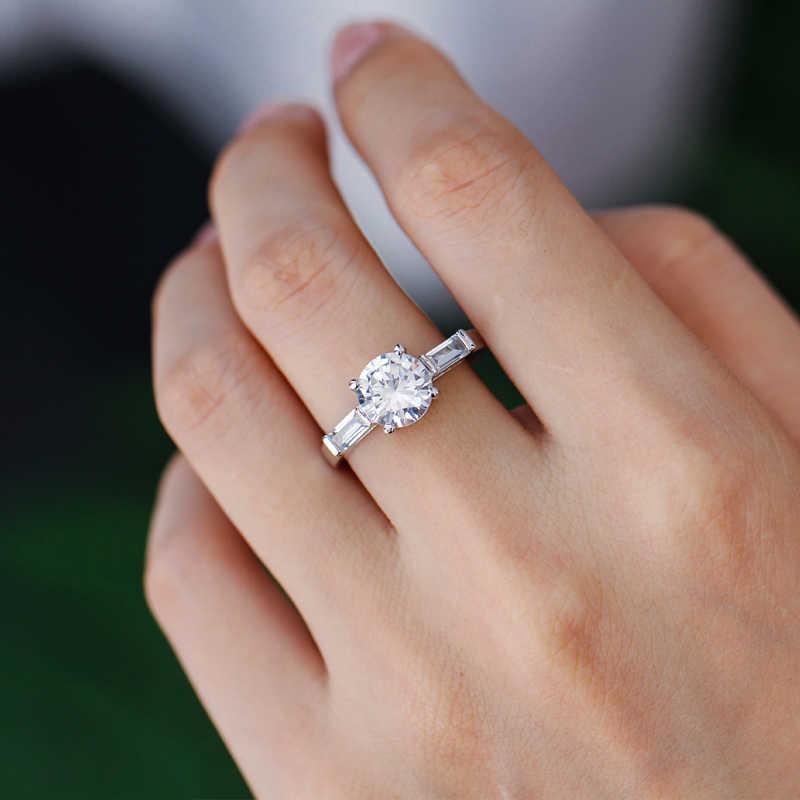CWWZircons ที่ไม่ซ้ำกันสีขาวสีทองใหญ่กะรัต Cubic Zirconia Halo แหวนหมั้นสำหรับงานแต่งงานของผู้หญิงเครื่องประดับ R076