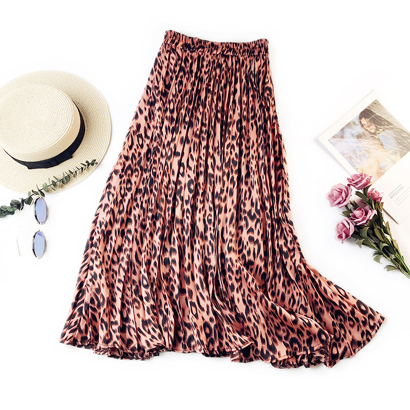 341 women skirts girl retro leopard pleated skirt female Slim floral ladies temperament big swing autumn 15