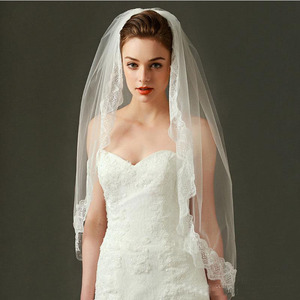 Promo In Stock Real Image Short Ivory Wedding Veils Romantic Lace Appliques Two Layers Hips Length Cheap Bridal Veil 50*100*172CM