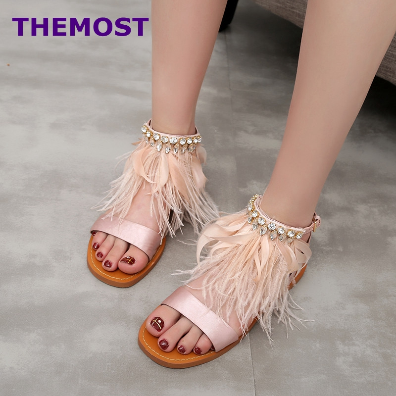 Summer newest flat sandal for woman 2017 sexy open toe gladiator sandal feather crystal embellished ankle strap tassel sandal купить