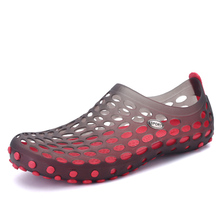 EVA Material Beach Jelly Shoes Men Hollow Rubber Mules Clogs Green Blue Brown Red Color Massage