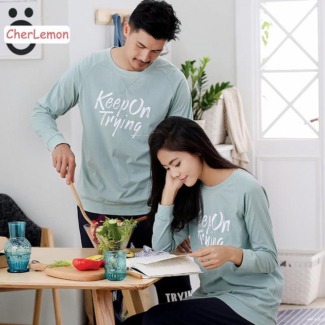 Par A Juego ocasional Cartas Jersey de Los Amantes Homewear ropa de Dormir de Algodón Mujeres Salón Del Sueño de Manga Larga Para Hombre Otoño Pijamas Set