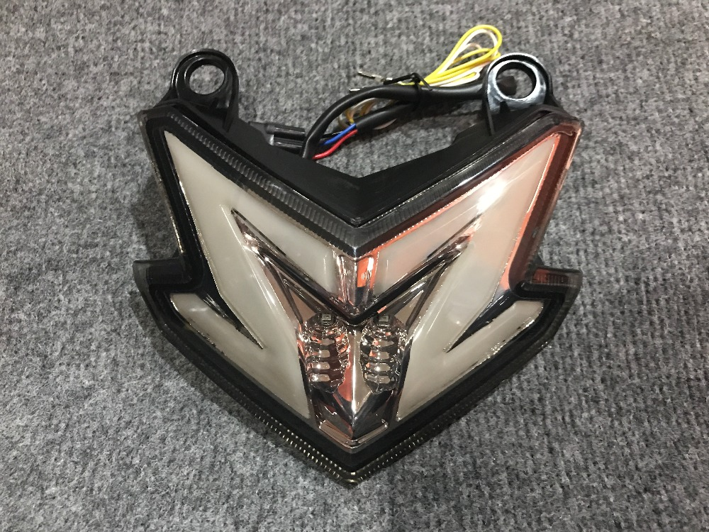 Motorcycle modified LED rear taillight brake lights with steering fit forKawasaki Z800 ZR800A 2013 2016year .