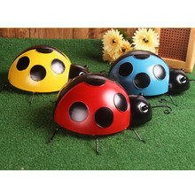 10cm Metal Ladybug Fence Hanger Wall Hanging Outdoor Garden Decorative Figurine Garden Statues(China)