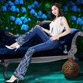 Mulheres primavera Tulipas de Luxo Beading Bordado Calça Jeans Feminina Boot Cut Bordados Rendas Queimado Sino calças de Brim Inferiores Calças Jeans