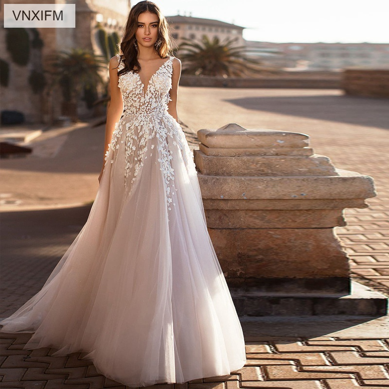 2019 VNXIFM Sexy Wedding Dress 3D Flowers Backless Ivory Beach Wedding Dress Appliques V Neck Princess
