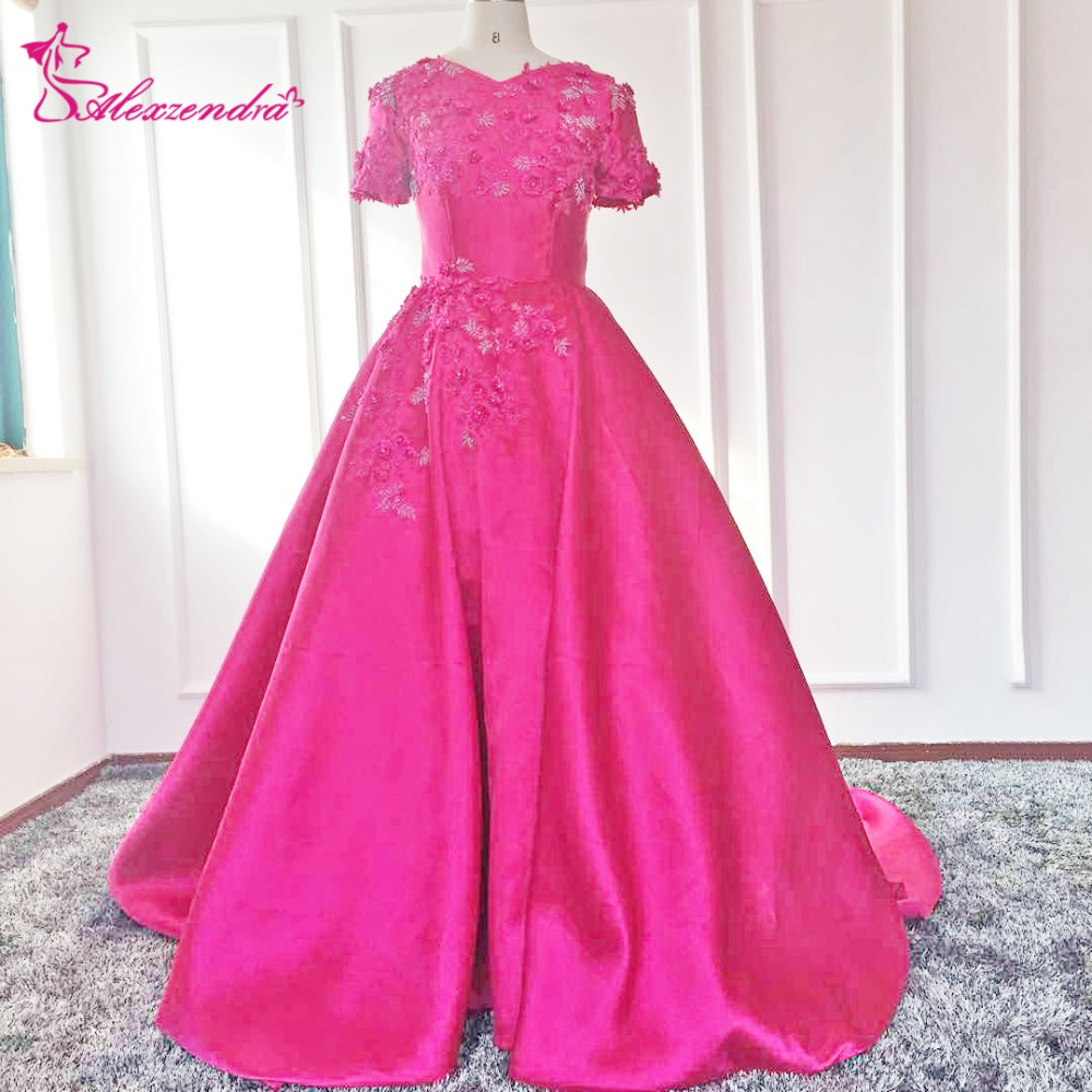 Alexzendra Flowers Ball Gown Modest Evening Dress with Short Sleeves V Neck Satin Prom Dresses Plus Size Special Party Dresses