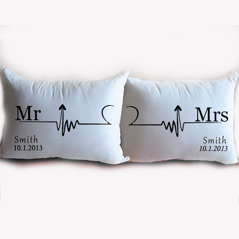 Personalised Mr /& Mrs with Love Heart Pillow Case Set