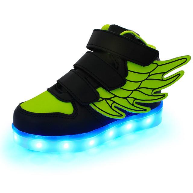 2017 nuevos niños de carga usb led light shoes de cuero suave casual boy & girl infantiles alas parte inferior antideslizante luminosa zapatillas de deporte