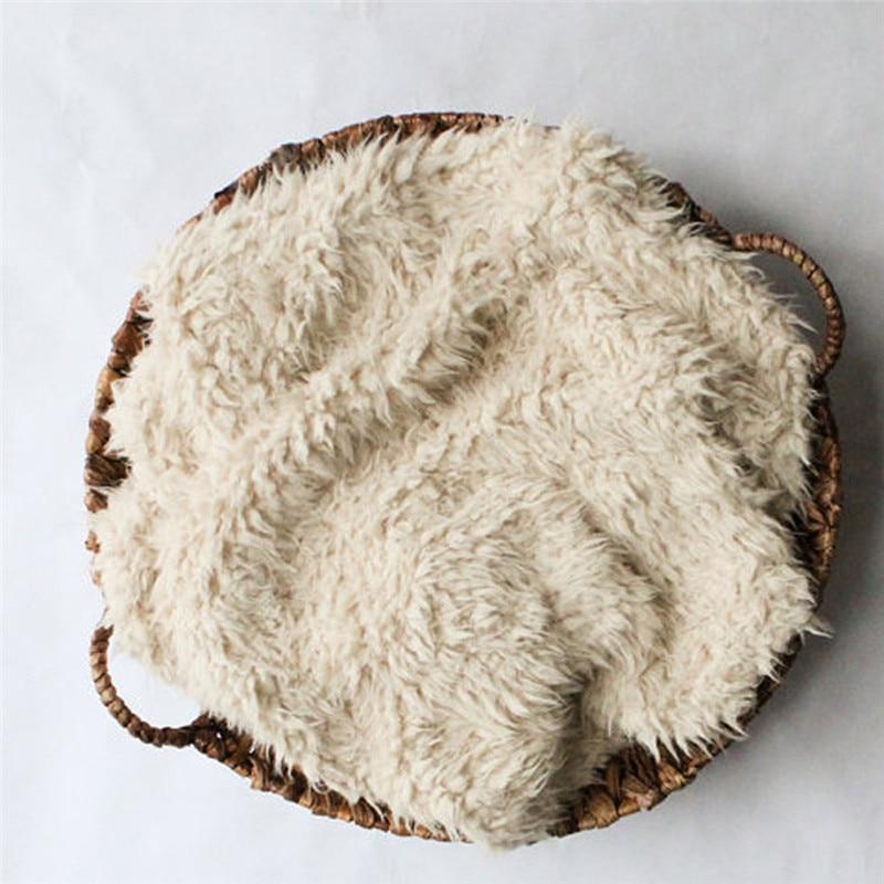 все цены на Newborn Photography Props Soft Baby Fur Blanket Faux Fur Background Blanket Baby Wool Blanket Solid Photo Prop Background онлайн