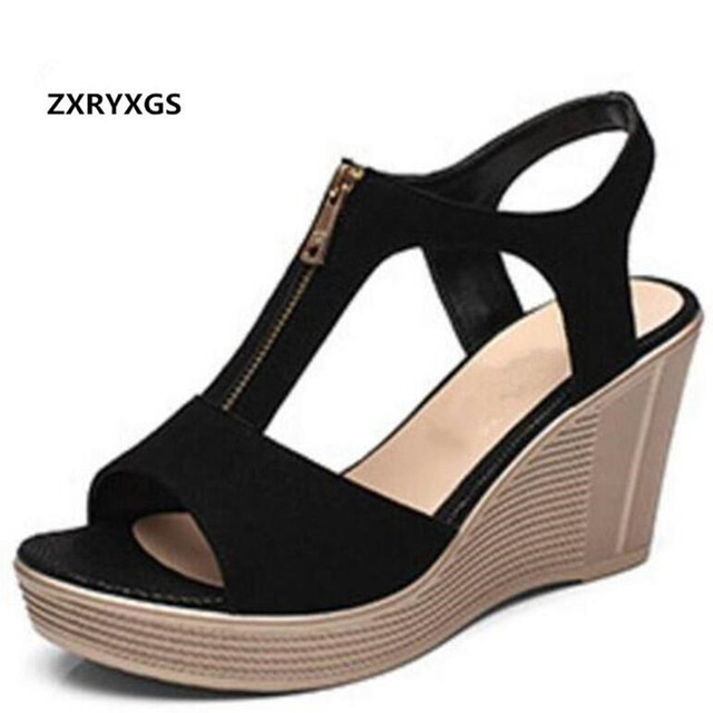 d3bba11295 Matte Kulit Sapi Sepatu Musim Panas Wanita Sepatu Hak Tinggi Wedges Sandal  2018 Baru Fashion Plus