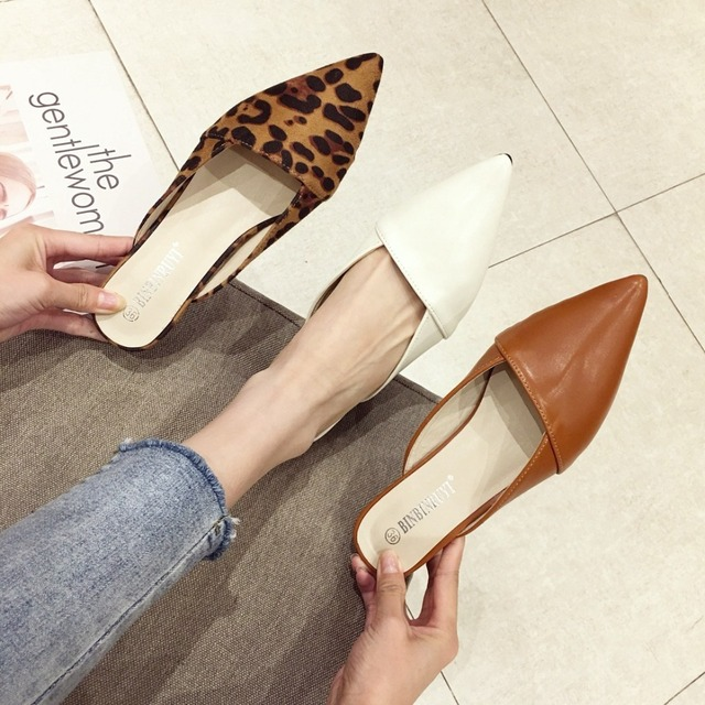 2019 marca de mulas de mujeres holgazanes perezosos zapatos bajos zapatos tacones mujer leopardo verano transpirable diapositivas zapatillas de microfibra de zapatillas