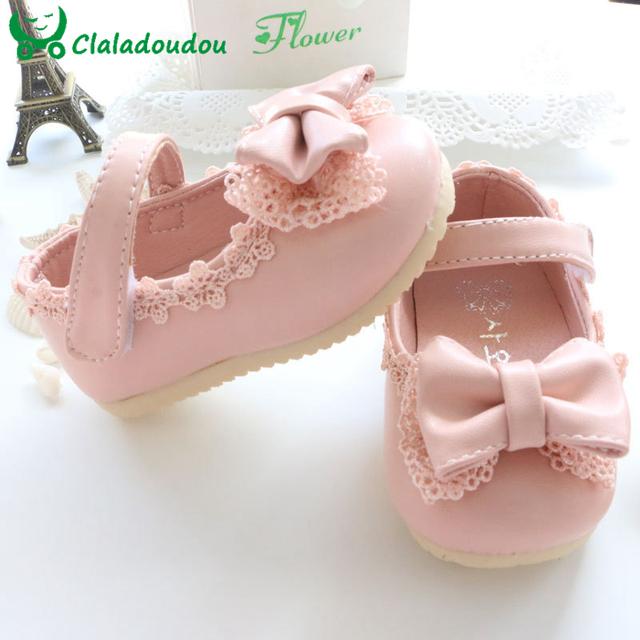 Venda 2015 Primavera/Outono Sapatos Da Menina Do Bebê Bonito Rendas Bowknot Princesa Primeiros Caminhantes Enfant PU Sapatos de Couro Para A Festa tamanho 4-9.5