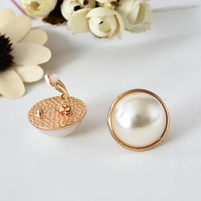 6pcs New Fashion Romantic Big Round Pearl Ear Clip Exaggerated Girl