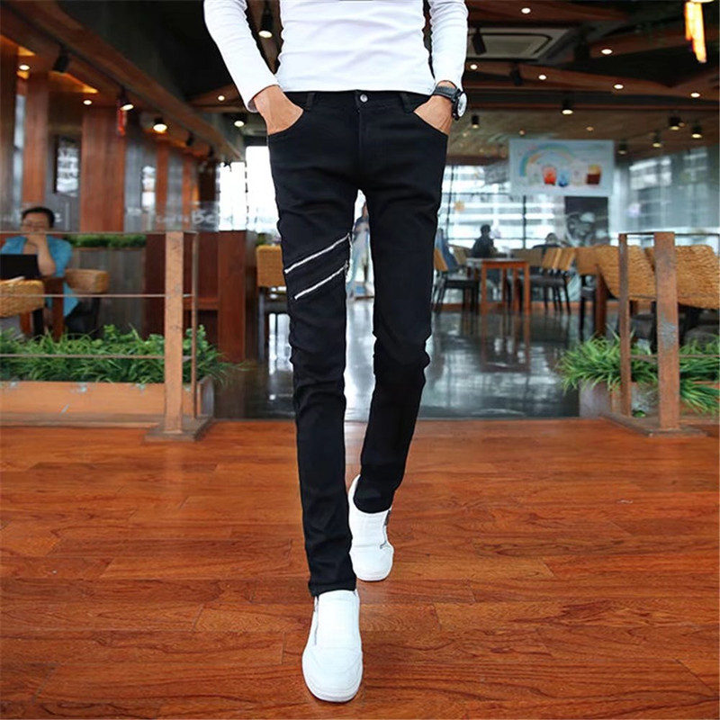 Jeans for young men, 2018 new styles, spring and summer trend, Korean version, black shorts, mens tight trousers.