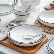 Набор кухонных тарелок с белым обедом керамическая кухонная
