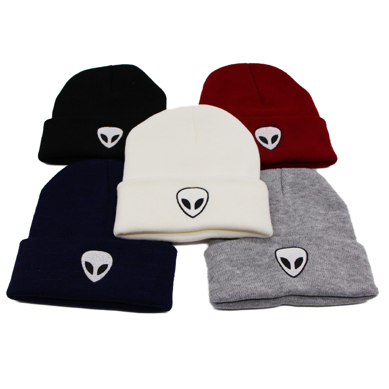 Knitted Hat Skull Winter Women Fashion Unisex Warm Hip-Hop Solid Alien CP0161 Caps Embroidery
