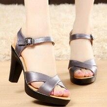 女性ハイヒール夏の女性の靴デザイナーグラディエーターサンダルハイヒールセクシーなピープトウクロスバンドブロックハイヒール黒 sandalias