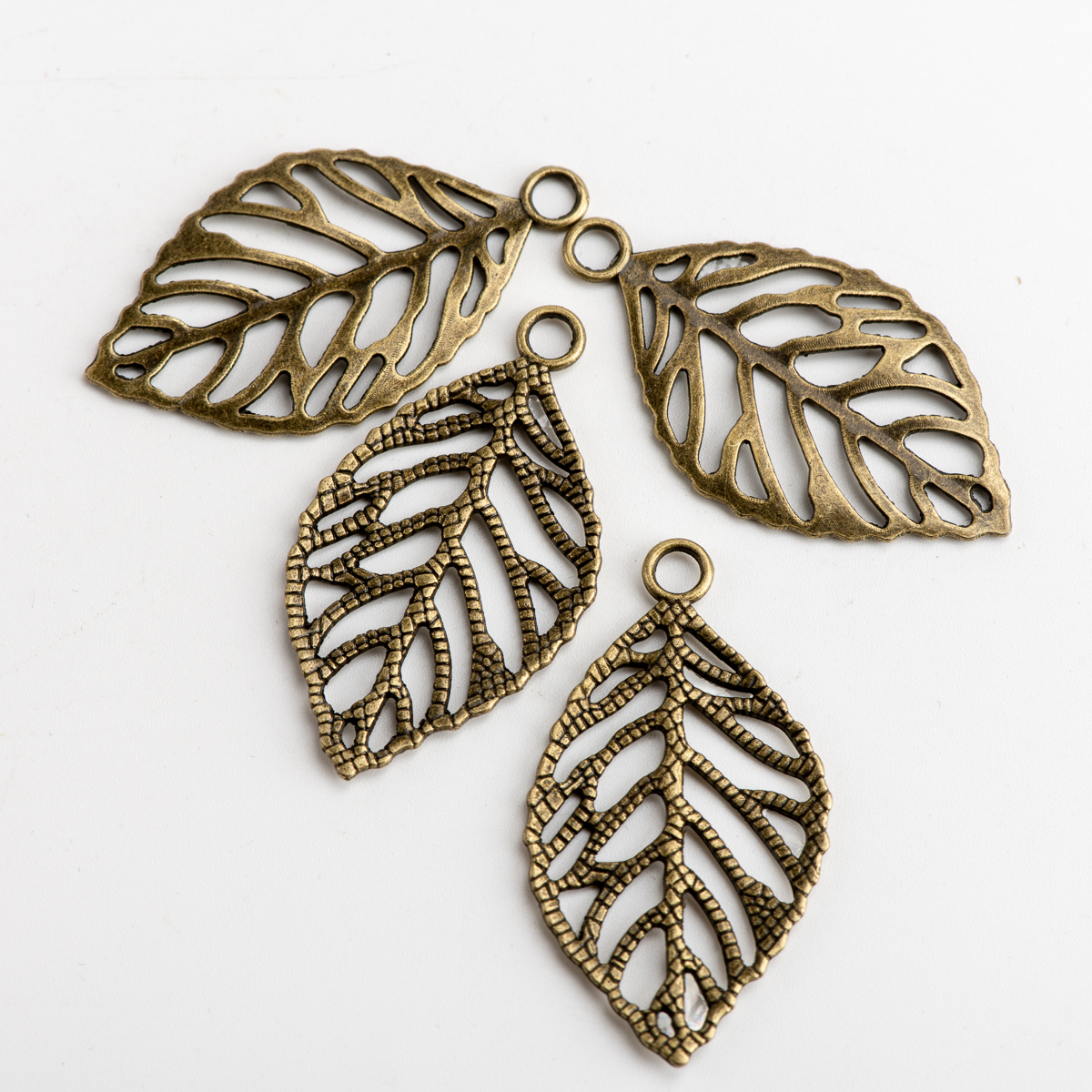 Hollow Leaf DIY Alloy Pendant For Jewelry Needlework Charms Jewelry Findings & Components For Jewelry Making #JZ105
