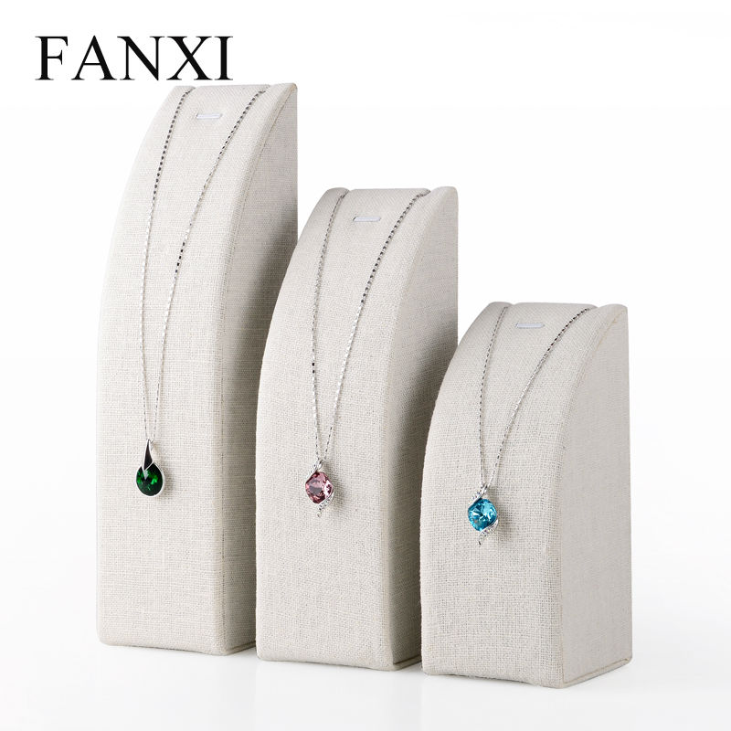 цена на FANXI MDF Wrapped with Cremy white Linen Pendant Exhibitor Stand for Jewelry Shop Counter Necklace Display Holder Organizer