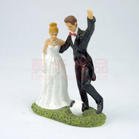Polyresin bride and groom romantic hug palying football Europe style wedding favor cake topper home decoration gift for lover