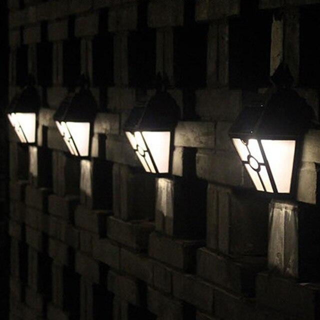 En plastique Brun Rétro Vintage Solaire Puissance Clôture Lampe ...