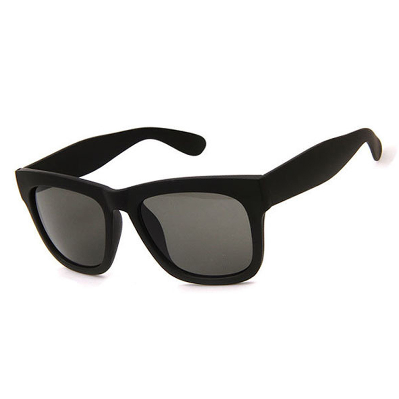 2018 New Fashion Trend Unique Design Rivets Frame Women Sunglasses Retro Square Ultra-thin Frame Design Sunglasses men