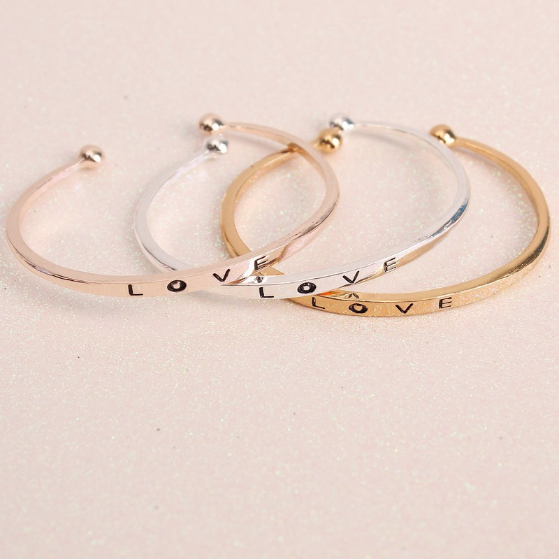 c6fe6a7e7100 Nueva moda simple carta de amor multicolor apertura pulsera ajustable  encanto pulsera para las mujeres