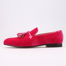 d6faca2d7a410 Rose couleur hommes velours chaussures gland de mode en cuir hommes  mocassins de mariage et de partie chaussures hommes plat