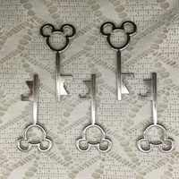 100pcs/lot Creative Wedding Favors Party Gifts Silver Mickey Skeleton Key Beer Bottle Opener