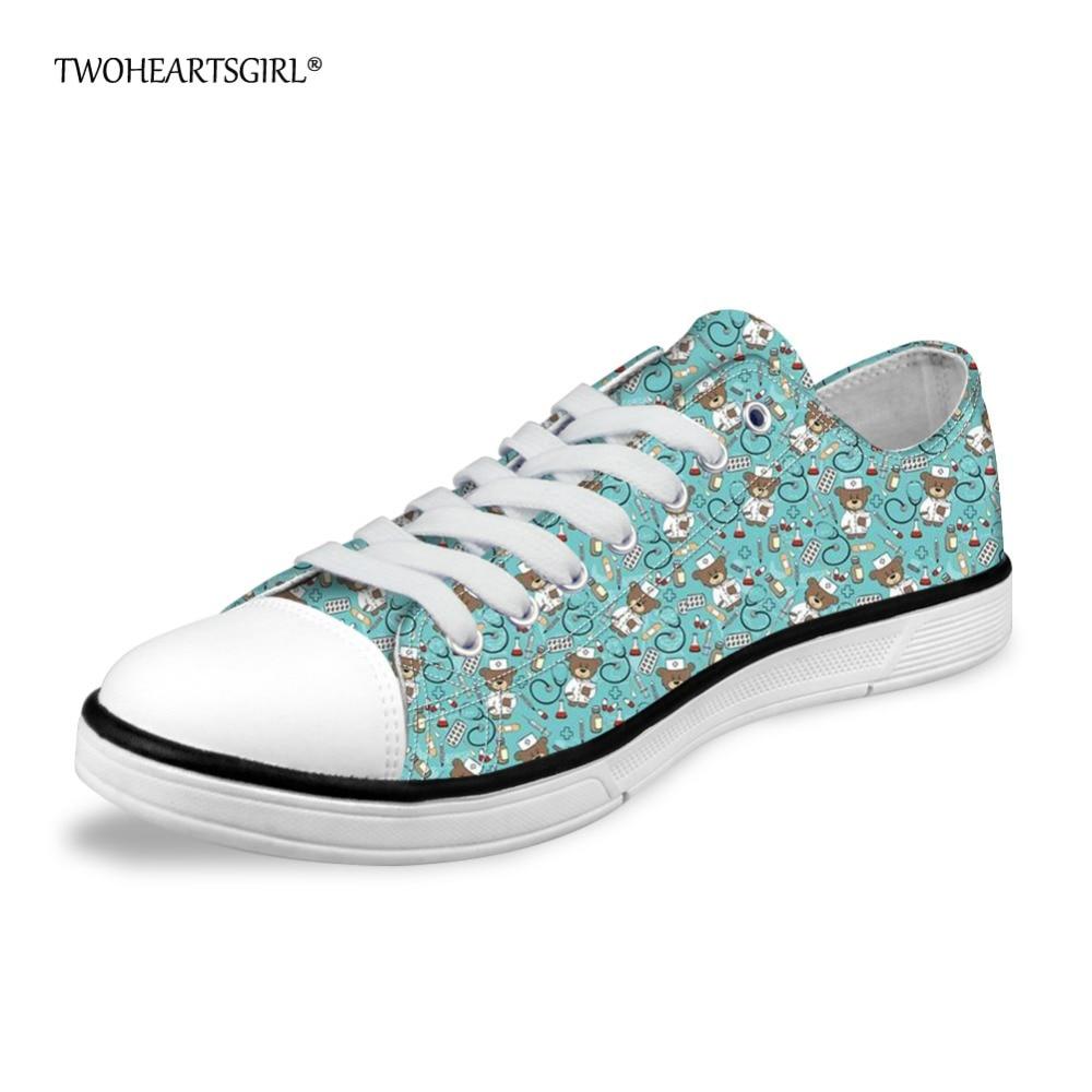 Twoheartsgirl Cartoon Nurse medve Alacsony vászon cipő nőknek - Női cipő