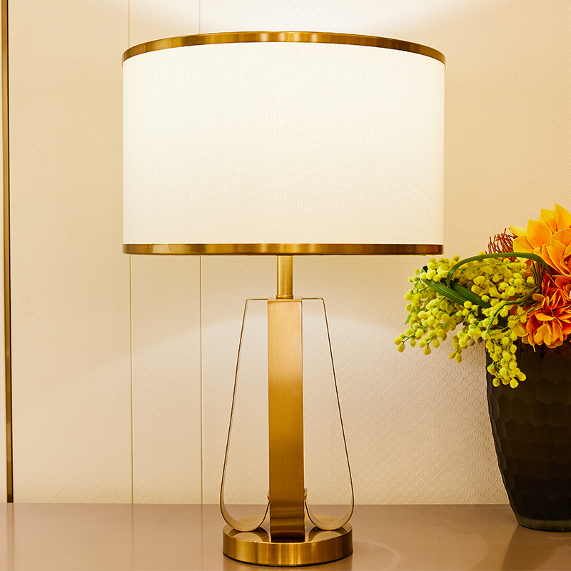 TUDA Iron Art Table Lamps For Bedroom Living Room Plated Golden Metal Table Lamp Nordic Style American Style LED Table Lamps