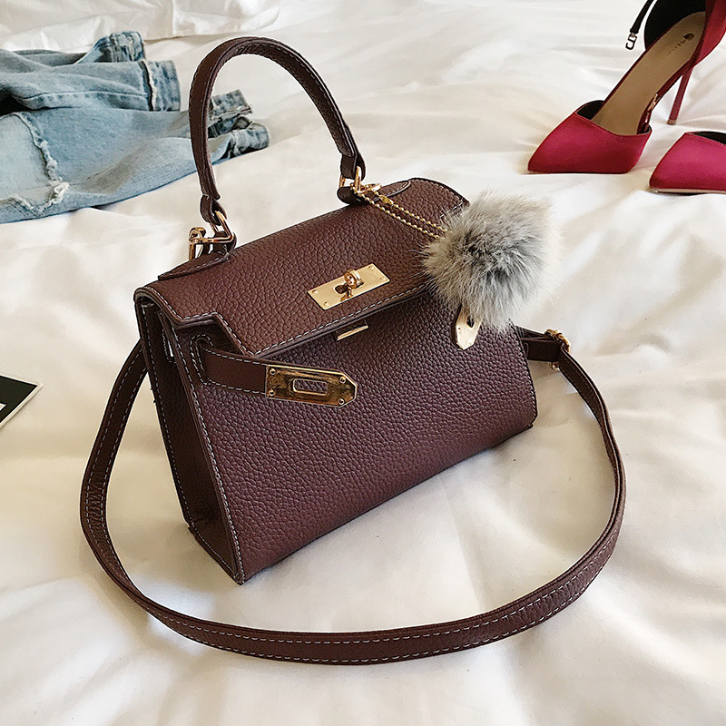 New Litchi Pattern PU Leather Platinum Square Package Hair Ball Decoration Hand Bag Stylish Lock Shoulder Diagonal Package