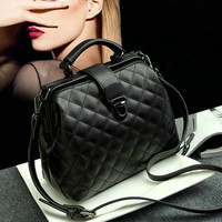 Wholesale 2018 New Simple Lingge handbag Scrub Doctor Shoulder Bag Wild Messenger Mobile Bag Large capacity woman bag