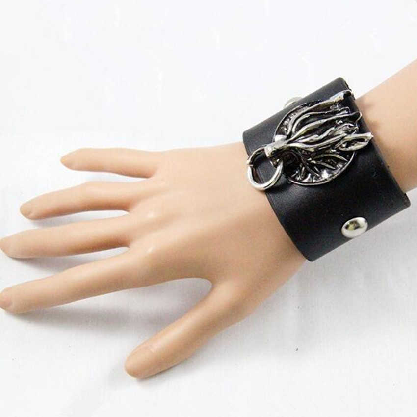 Esihou Final Fantasy Wolf Head Cosplay Props Style Punk Rock Leather Wrist Strap Cuff Acc Wrist Support Guard