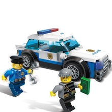 цена на Building Block Model Police Educational Toys 10424 Compatible Bricks Legoing City Police  Sports Car 60047
