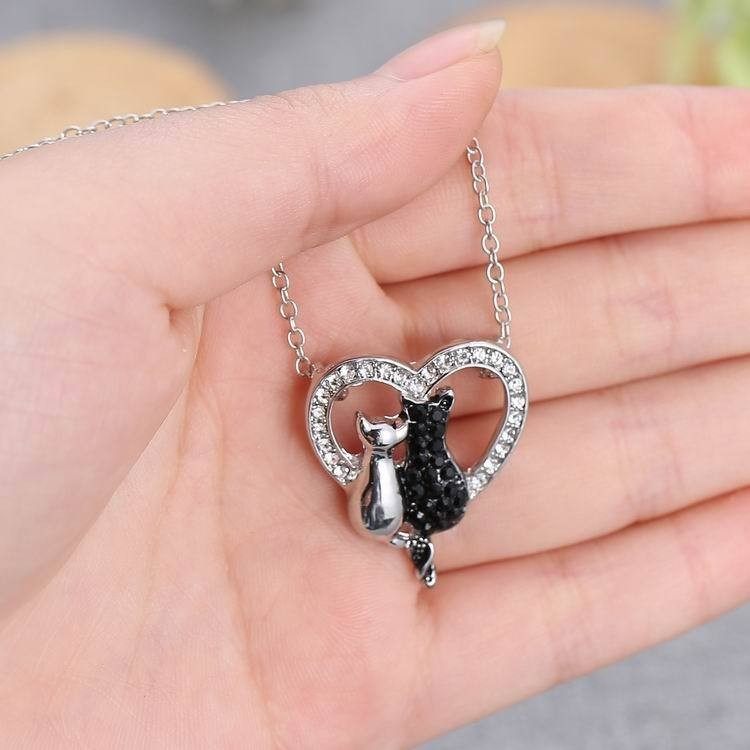 NEW LOVELY CAT PAW BLACK WHITE 2 CAT ON HEART CRYSTAL PENDANT NECKLACE-Cat Jewelry-Free Shipping NEW LOVELY CAT PAW BLACK WHITE 2 CAT ON HEART CRYSTAL PENDANT NECKLACE-Cat Jewelry-Free Shipping HTB1Uv0tLFXXXXbBXVXXq6xXFXXXO