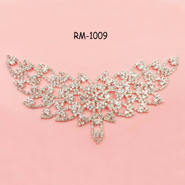 RM-1009 flatback Bridal crystal rhinestone applique for wedding gown dresses  decoration rhinestone neck patch trim sash 170 80mm 056747460faf