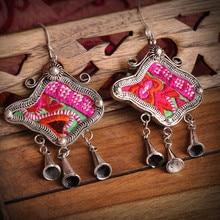 Национальная Этническая 100% ручной вышивки серьги творческая личность Мяо с серебряным покрытием мотаться серьги