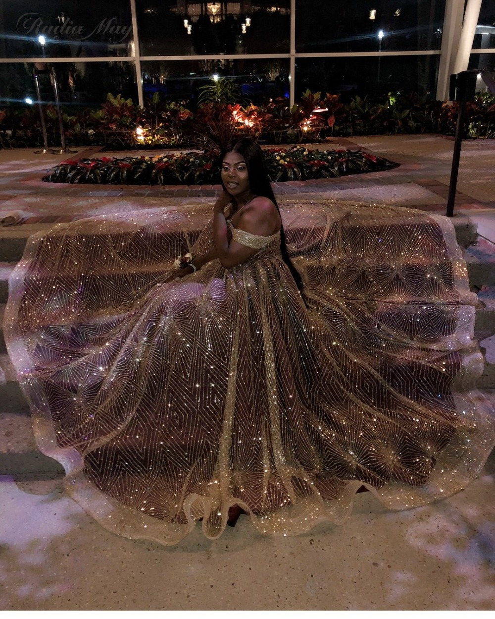 Sparkly Gold Sequins Black Girls Plus Size Prom Dresses 2019 Elegant Off the Shoulder Burgundy African