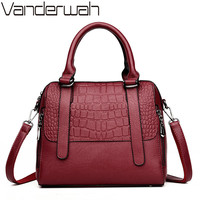 NEW Fashion Small Shell Leather Luxury Handbags Women bags designer Crocodile pattern Casual Tote women shoulder Bags sac a main