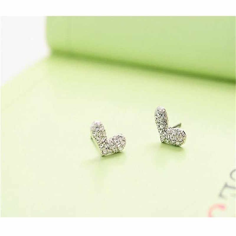 New Fashion for woman Style Clear Crystal Holding Heart Stud Earrings (silver plated )