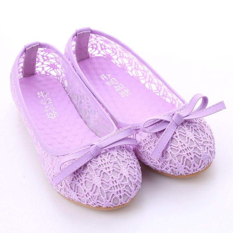 Женская обувь на плоской подошве; Новинка года; летние кружевные туфли с закрытым носком; женские дышащие сандалии; кружевные сетчатые балетки на плоской подошве; Милые сабо с бантом - Цвет: purple