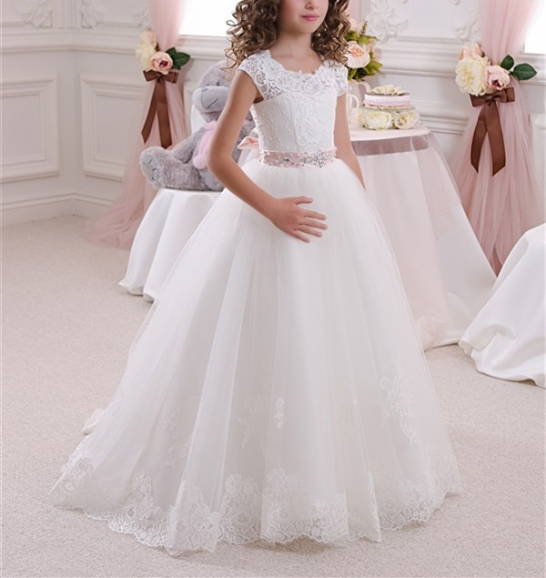 Фотография Newest Flower Girls Dresses For Weddings Princess Style with Beaded Sash Applique Tulle A Line Sleeveless 2017 White Ivory