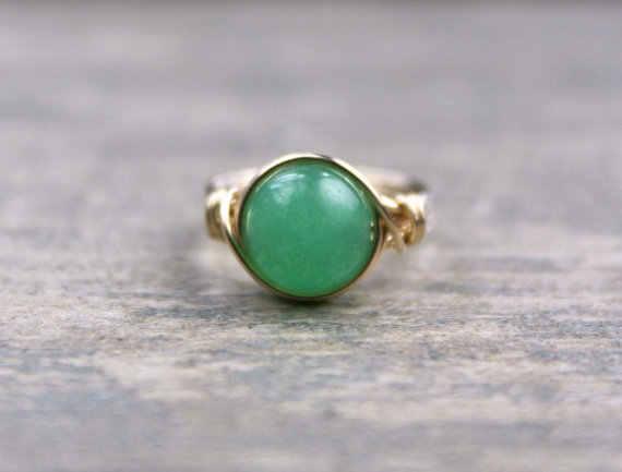 PINJEASลวดห่อธรรมชาติสีเขียวA Venturineแหวนที่ทำด้วยมือที่เต็มไปด้วยแหวนวินเทจที่ไม่ซ้ำกันการออกแบบของขวัญหญิงแหวนชี้แจง